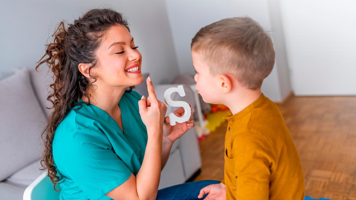 Como saber se seu filho sofre uma disfluência ou gagueira patológica
