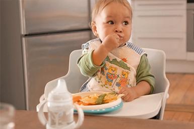 Passos para o bebê comer